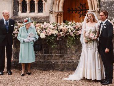 Foto oficial do casamento da princesa Beatrice não contou com o pai dela por decisão da rainha. Entenda!