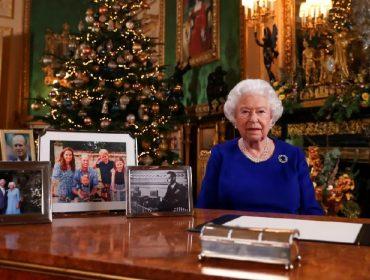 Meghan e Harry se sentiram 'esnobados' no último discurso de Natal da rainha. Entenda!