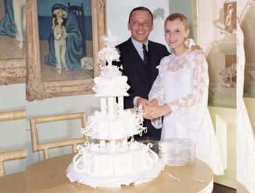 Mia Farrow conta como Frank Sinatra decidiu se casar com ela de um dia para o outro e a perseguição dos paparazzi. Aos fatos e fotos!