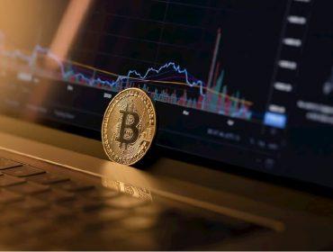 Transação recorde de US$ 1 bi em bitcoins causou pânico em banqueiros nessa semana. Aos fatos!