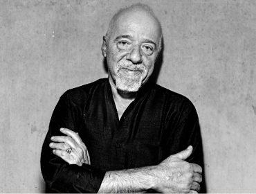 Nos 73 anos de Paulo Coelho, 5 fatos pouco conhecidos sobre a biografia do escritor