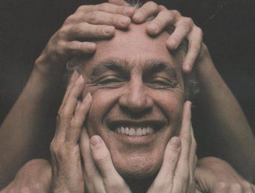 Para celebrar os 78 anos de Caetano Veloso, saiba quais as músicas mais tocadas da carreira do cantor