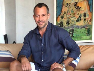 """Malvino Salvador revela que fará transplante capilar ainda esse ano: """"É a parte do meu corpo que mais dou atenção"""""""