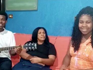 """Família do meme """"Para a nossa alegria"""" reaparece depois de oito anos, conta como está a vida e recria o vídeo que viralizou. Vem ver!"""