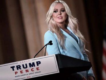 Em discurso acalorado, filha mais nova de Trump ataca gigantes de mídia americanas