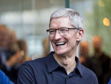 Tim Cook, CEO da Apple, é o mais novo bilionário do pedaço graças à disparada da ação da gigante americana