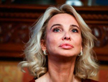 Mulher apontada como amante de Juan Carlos I durante anos agora o acusa de perseguição. Aos fatos!