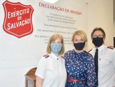 Primeira-dama de São Paulo doa dois mil cobertores e 500 máscaras para o Exército da Salvação
