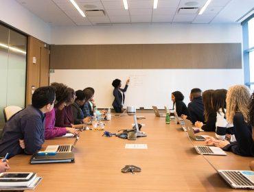 XP lança fundo de ações para investir em mulheres em cargos de liderança