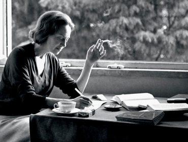 J.P mergulha no universo da escritora portuguesa Sophia de Mello Breyner Andresen que vivia entre a poesia e o combate