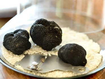 Temporada de trufas negras do restaurante Vinheria Percussi está de volta. Faça sua reserva!