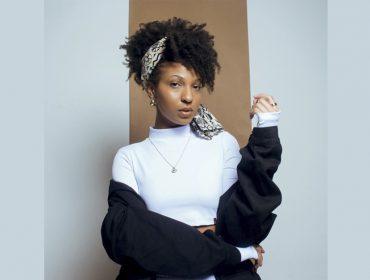 """Filha de Mano Brown, Domenica Dias lança marca de streetwear com a mãe, Eliane Dias: """"Se a roupa não tiver a função de te deixar poderosa, nem vale a pena"""""""