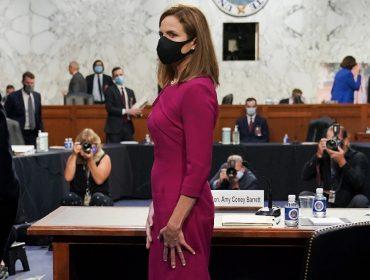 Amy Coney Barrett, indicada para Suprema Corte dos EUA, causa polêmica ao usar roupas informais no congresso americano