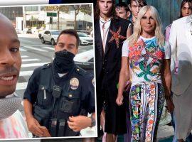 Donatella Versace sai em defesa de seu funcionário, Salehe Bembury, abordado pela polícia: 'Ele foi parado apenas pela cor de sua pele'.