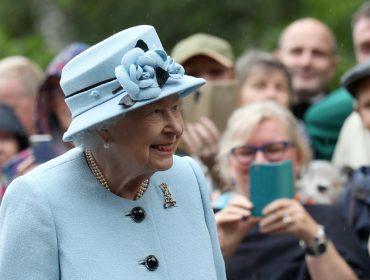 Popularidade de Elizabeth II aumentou durante a pandemia. Já a de Meghan e Harry…