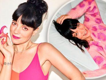 """Lily Allen e o Liberty, um """"sex toy"""" que ela lançou recentemente"""