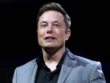 Empresa de Elon Musk prepara chip para ser implantado em cérebro humano e tratar doenças