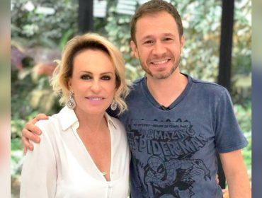 """Tiago Leifert exalta postura de Ana Maria Braga em programa ao vivo depois da morte de Tom Veiga, o Louro José: """"Outro patamar"""""""