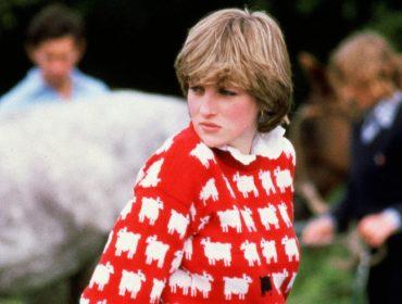 Lady Di e seu agora icônico suéter