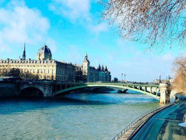 Reconfinamento: a segunda onda do coronavírus chega a França e esvazia as ruas de Paris após clima de fim do mundo