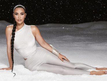 Kim Kardashian vai doar U$500 para 1000 pessoas que precisam de uma ajuda extra neste Natal