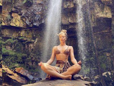 Grazi Massafera revela seu mantra preferido para atrair boas energias. Escolha o seu e seja feliz!