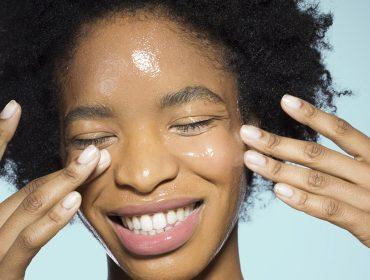 Para manter a pele sempre bonita no verão, especialista aposta em óleos naturais e produtos sem química