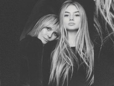 """Filha mais velha de Heidi Klum entra oficialmente para o mundo da moda: """"A primeira oferta veio quando eu tinha 13 anos, mas minha mãe não deixou"""""""