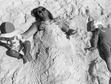 Beyoncé protagoniza momento 'farofa' na praia com a família e dá seu recado: 'Celebre sua importância individual que contribui para nossa linda coletividade'