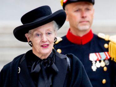 Rainha da Dinamarca deixa Elizabeth II para trás e se torna a primeira royal na Europa a tomar a vacina da Covid-19
