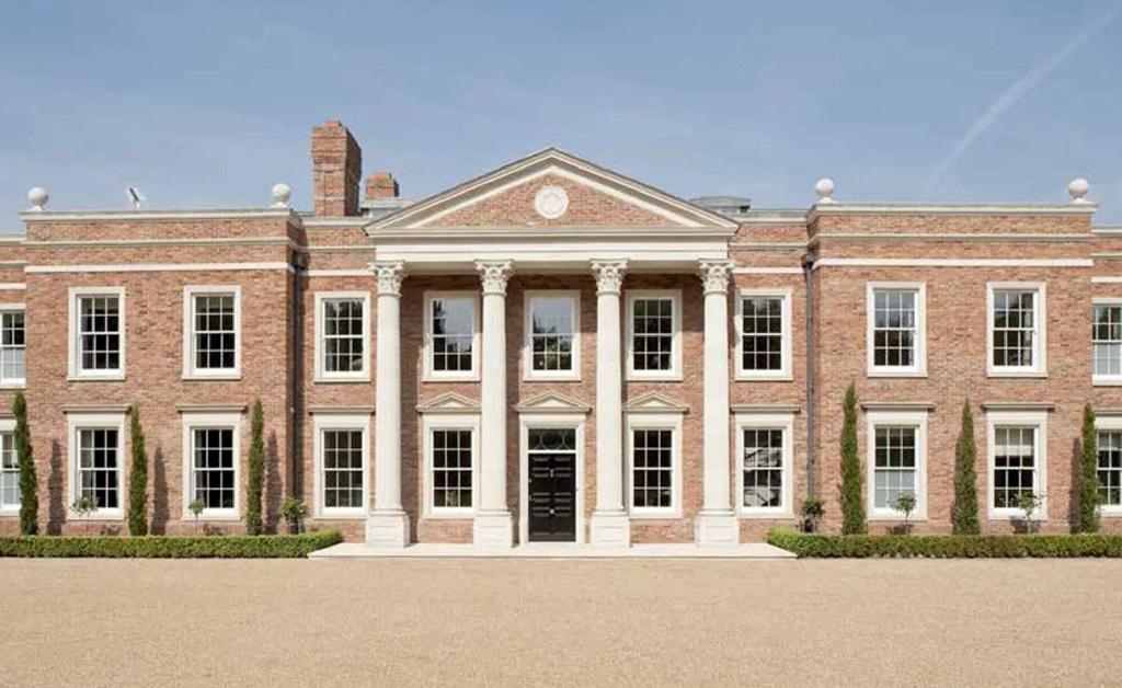 Conhecida como Windsor Park Hall, a propriedade fica do lado do Castelo de Windsor