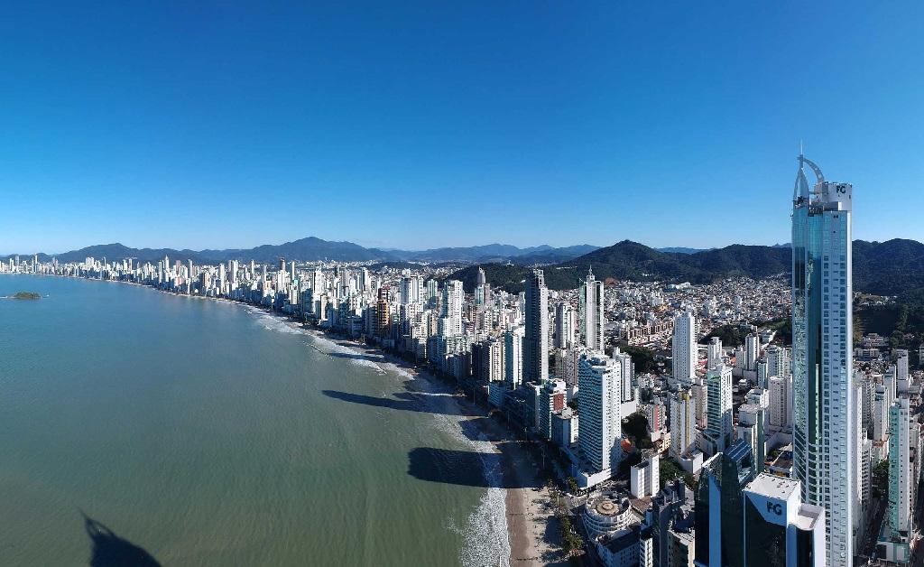 A skyline de BC, onde ficam alguns dos prédios mais altos do Brasil
