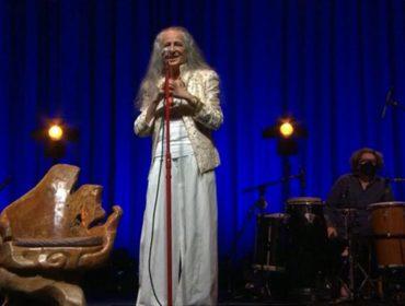 Detalhe do palco da live de Maria Bethânia chama a atenção e Glamurama revela o que é