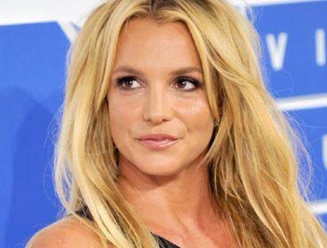 """Britney Spears se pronuncia sobre doc polêmico a seu respeito: """"Nada se compara ao que a pessoa vive por trás das câmeras"""""""