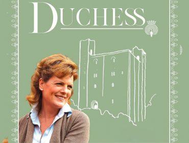 Emma Manners, duquesa de Rutland, lança podcast para entregar os bastidores da nobreza