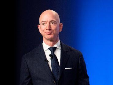 Antes de anunciar sua saída do comando da Amazon, Jeff Bezos vendeu mais de R$ 53 bilhões em ações da gigante do e-commerce