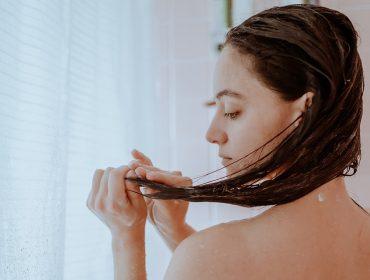 Pesquisa revela que 31% das mulheres estão investindo em tratamentos capilares caseiros durante a pandemia