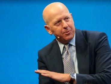 CEO do Goldman Sachs, David Solomon vai dar folga aos sábados para os colaboradores do banco depois de 'Power Point' denunciar 100 horas extras semanais