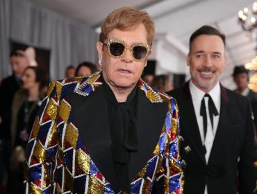 Elton John com seu marido, David Furnish