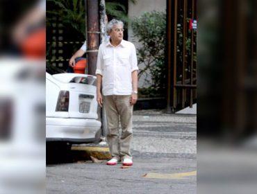 """Há 10 anos, Caetano Veloso estacionava o carro no Leblon. Artista comemora momento 'histórico' com humor: """"Ipanema fica muito cheio"""""""