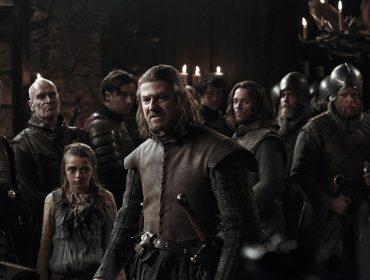'Game of Thrones' se prepara para invadir a Broadway e George R. R. Martin está envolvido no projeto. Vem saber!