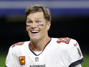 Tom Brady renova contrato com Tampa Bay até 2023 e por quase R$ 250 milhões extras