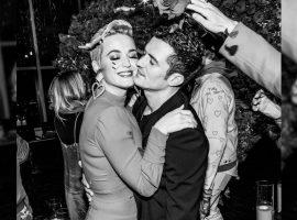 Orlando Bloom diz que não tem 'feito sexo o suficiente' com Katy Perry e mostrou seu jeitinho nada romântico em entrevista