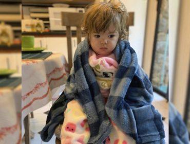 """Clara Maria, filha de Tata Werneck e Rafa Vitti, aparece no mood """"acabei de acordar"""" e quebra a internet"""