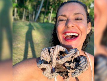 """Lembra de Giovanna Gold, a Zefa de 'Pantanal'? Musa dos anos 90, se diz anarquista, lança app e mete a boca nas reprises: """"Parece aquele café requentado"""""""