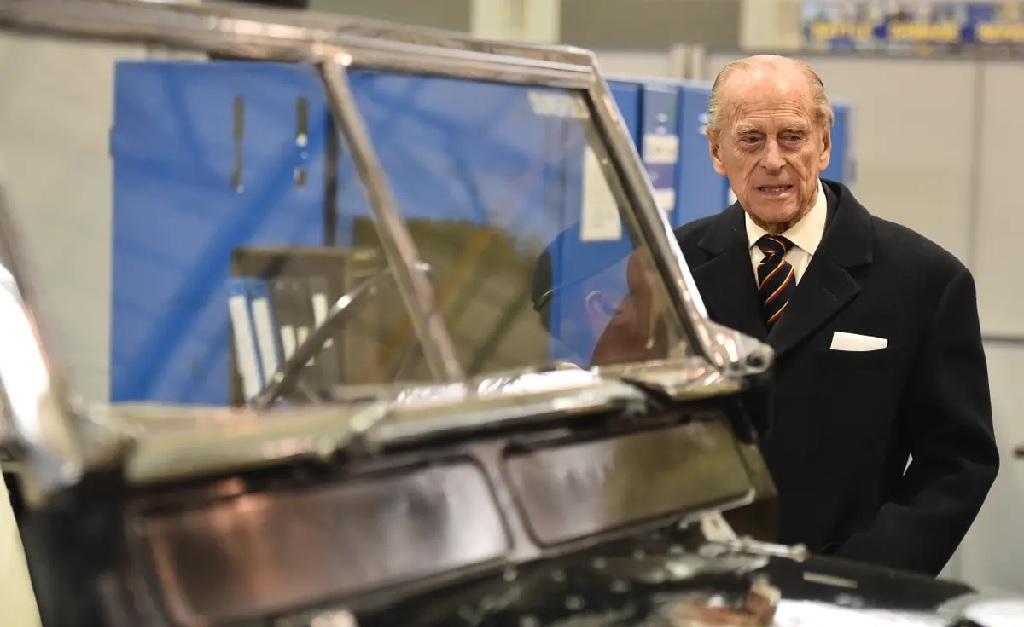 O príncipe Philip era fã de Land Rovers