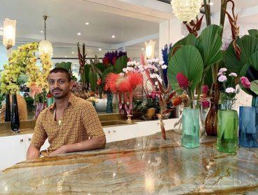 Conheça o incrível mundo de Arturo Arita e sua galeria de flores em Paris. Vem!