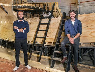 Rodrigo Santoro e Álvaro Morte, o professor de 'La Casa de Papel', juntos em série épica que começa a ser rodada no fim do mês, na Espanha