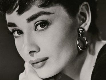 Audrey Hepburn vai ganhar série dramática sobre a sua trajetória pessoal e profissional