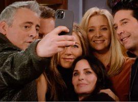 Integrantes do elenco de 'Friends' ainda faturam alto com as reprises da série. Saiba quanto!